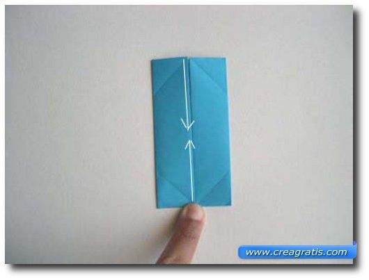 Quarto passaggio per fare una scatolina di carta