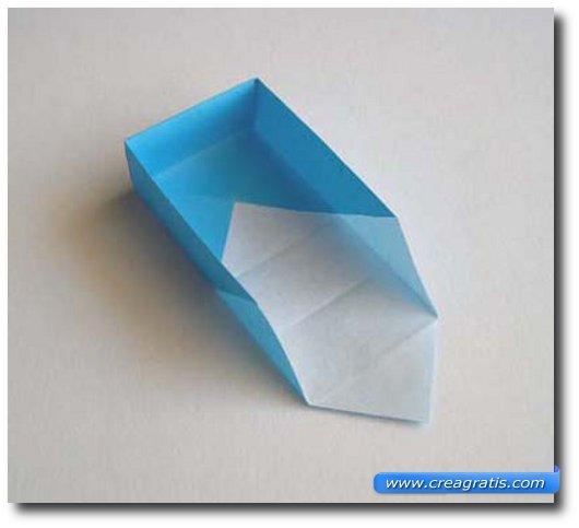 Undicesimo passaggio per fare una scatolina di carta