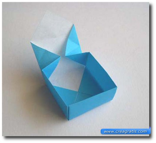 Dodicesimo passaggio per fare una scatolina di carta