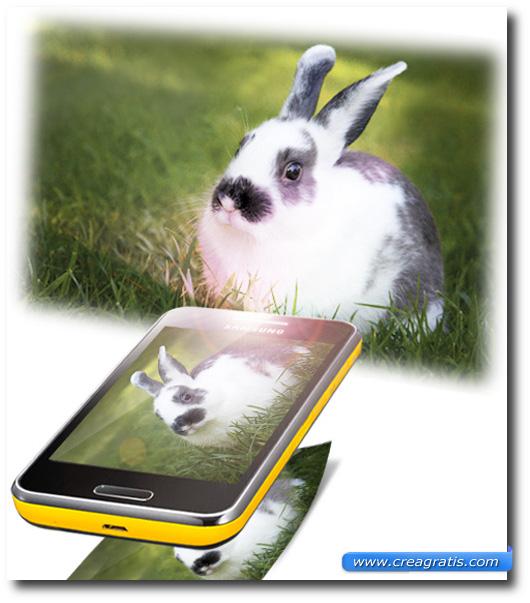 Immagine di uno smartphone con un proiettore integrato