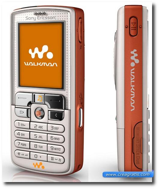 Immagine di un cellulare Sony Ericsson W8001 del 2005