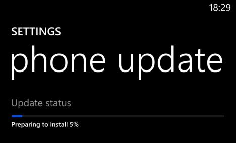 Schermata dell'aggiornamento in corso di Windows Phone 8