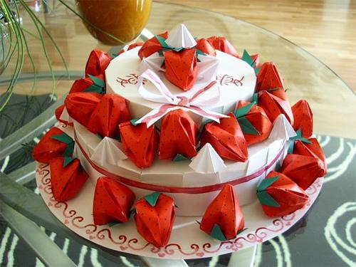 Immagine dell'origami La torta di fragole