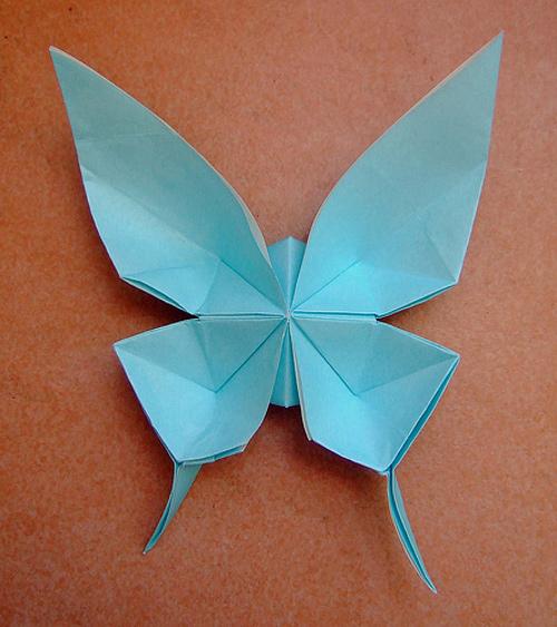 Immagine dell'origami La farfalla a coda di rondine
