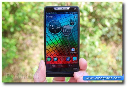 Immagine dello smartphone Motorola RAZR i