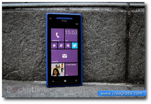 Immagine dello smartphone HTC 8X