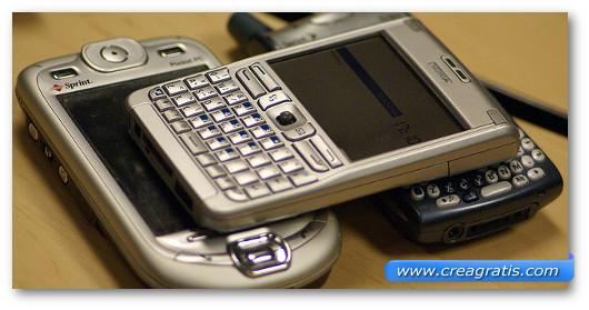 Immagine generica sugli smartphone vecchi