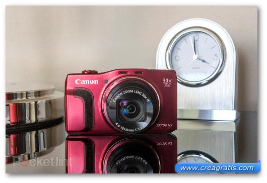 Fotocamera compatta Canon PowerShot SX700 HS