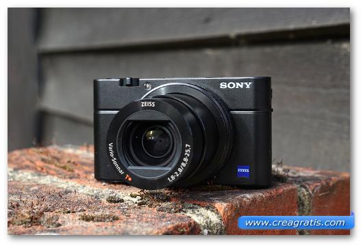 Fotocamera compatta Sony Cyber-shot RX100 III