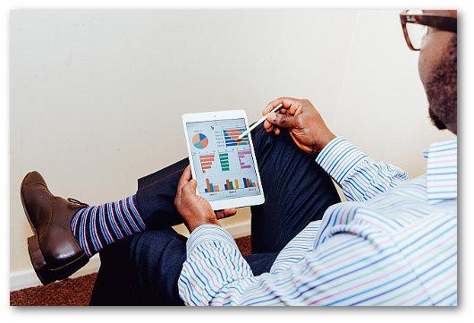 Immagine sull'utilizzo di un tablet