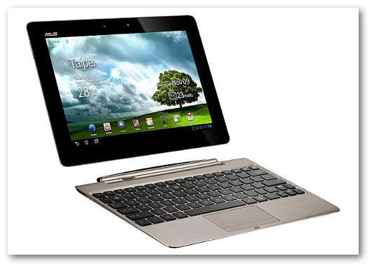 Immagine di un tablet con tastiera