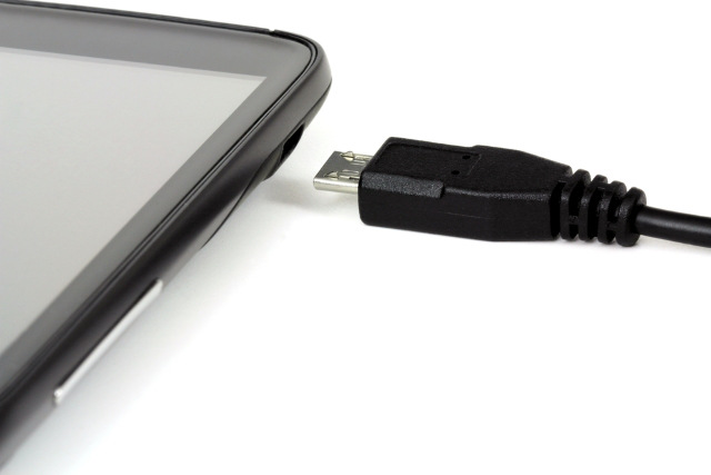 Trasferimento dati tramite cavo USB