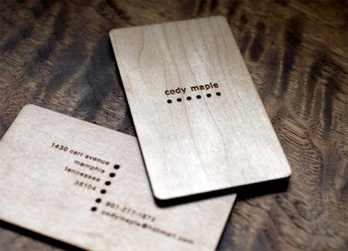 25 Modelli di Biglietti da Visita in Legno Molto Creativi - maple wood